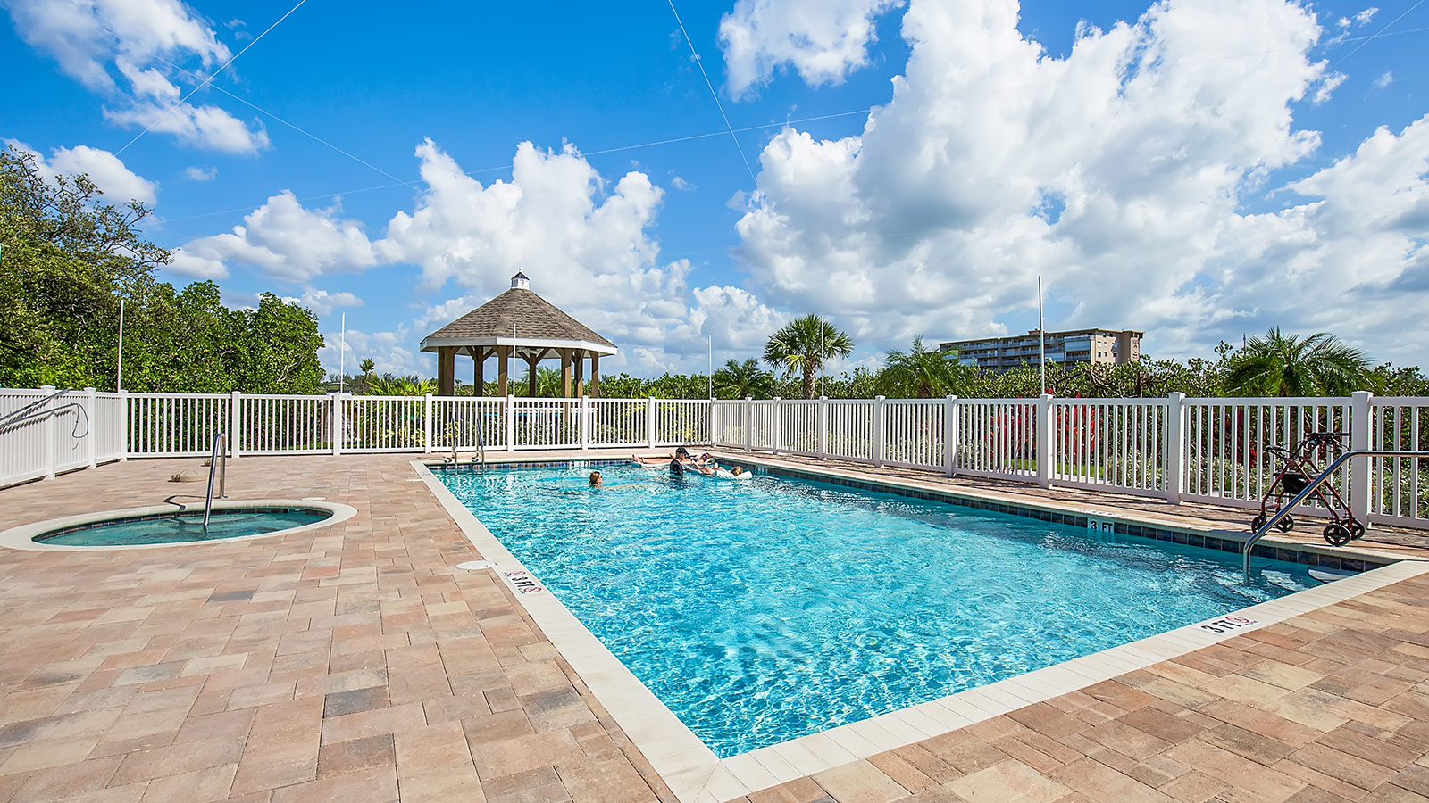 Florida Sun Vacation Rentals Dolphin Key 206